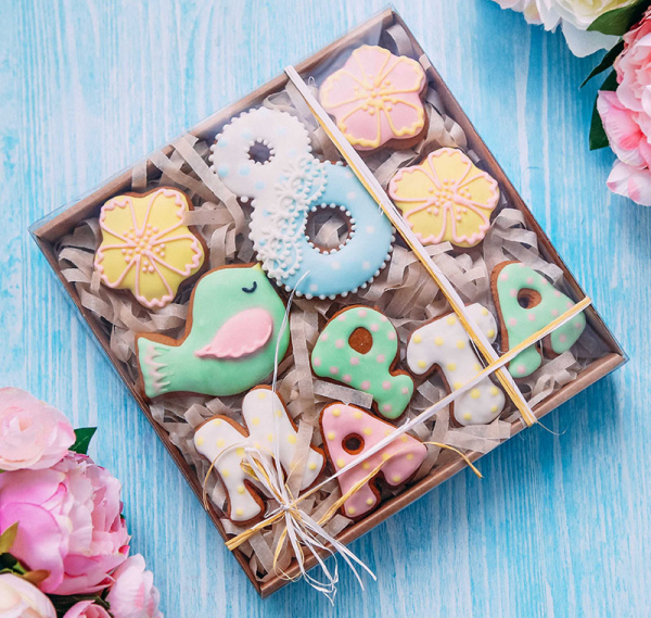 Фигурное печенье к 8 Марта