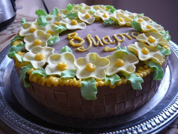 Торт в виде корзинки