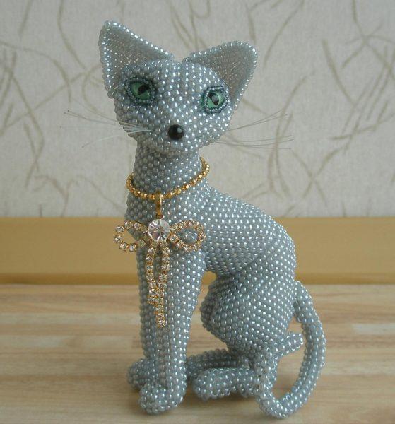 Кошечка из бисера