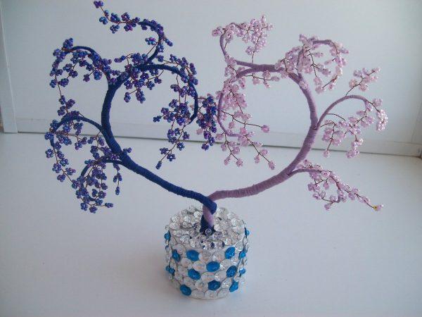 Двухцветное дерево из бисера