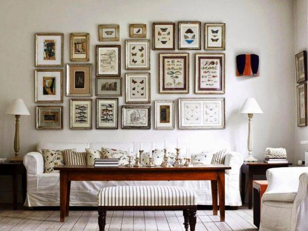 Картины по всей длине дивана