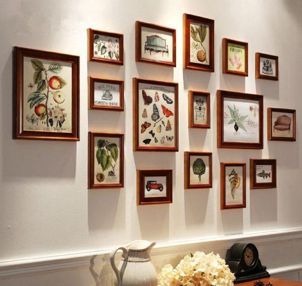 Картины в деревянных рамках