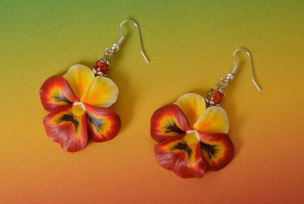 Серьги в виде цветов