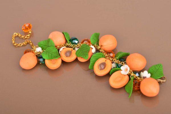 Браслет из абрикосов из полимерной глины