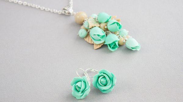 Комплект в бирюзовом цвете из полимерной глины