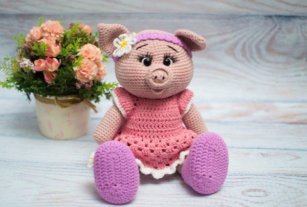 Свинка-девочка
