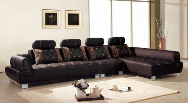 Огромный диван из кожи