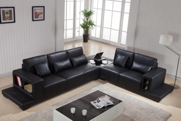 Функциональный диван из кожи