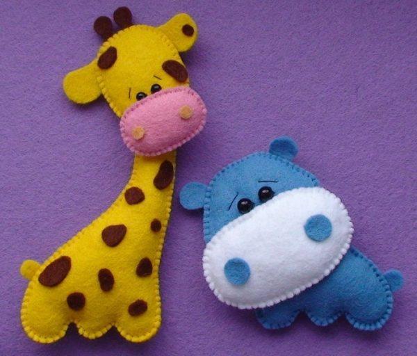 Жираф и бегемот из фетра
