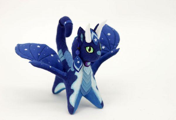 Очаровательный дракон из фетра