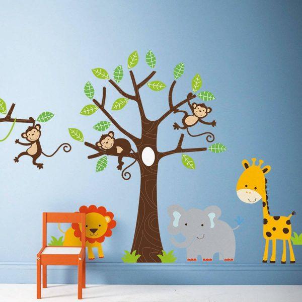 Наклейки с африканской тематикой на стене в детской