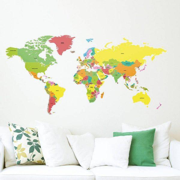 Разноцветная карта на стене