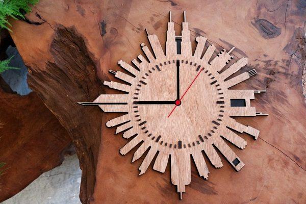 Вырезанная основа для часов