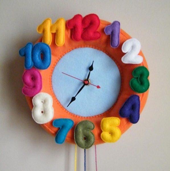 Часы из фетра