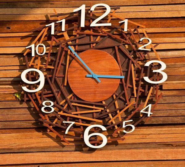Часы из палочек