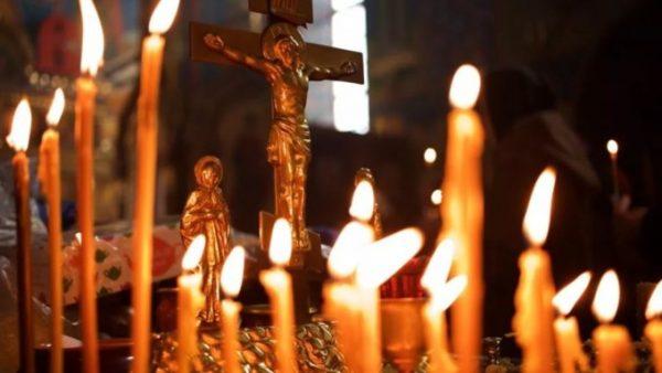 Крест, свечи
