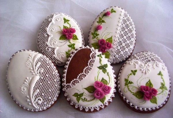 Красивое печенье в виде яиц