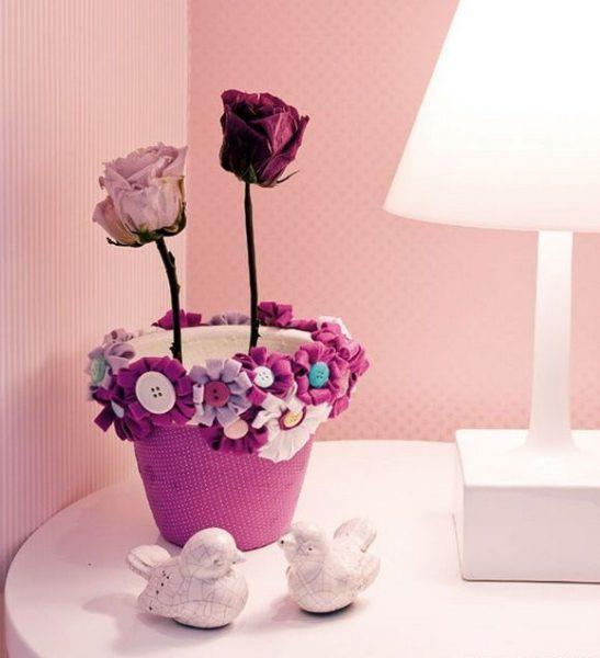 Яркий горшочек для цветов