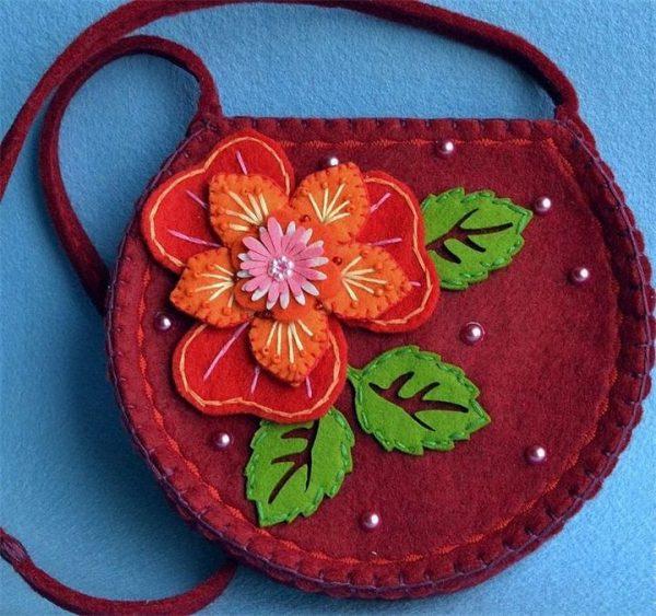Украшение для сумки в виде цветка
