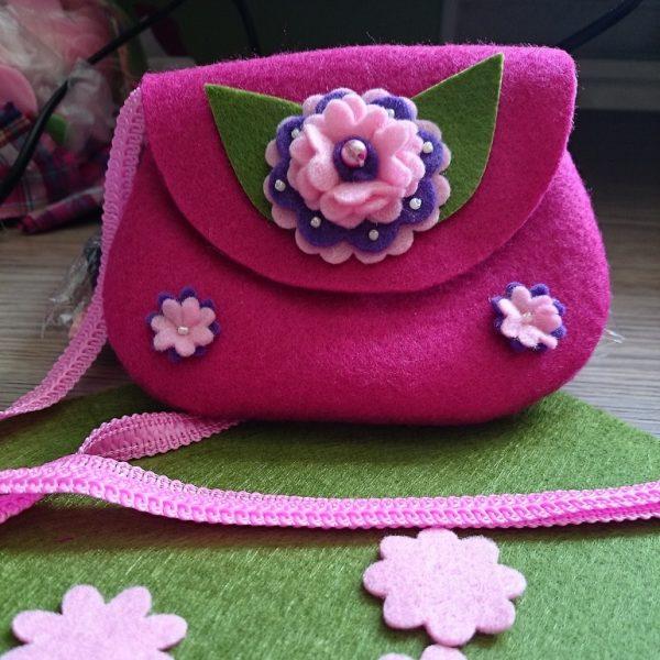 Украшение для сумки в виде цветочка