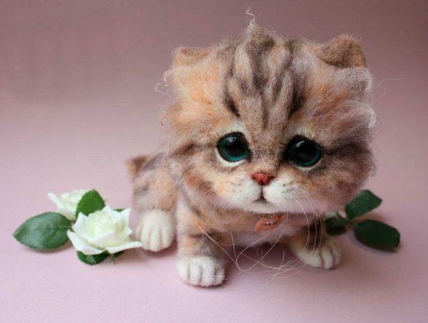 Милый котёнок в технике валяния