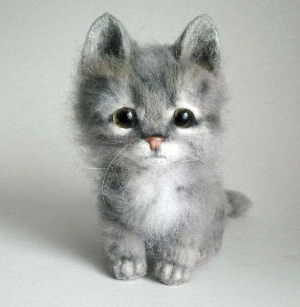 Пушистый котик в технике валяния