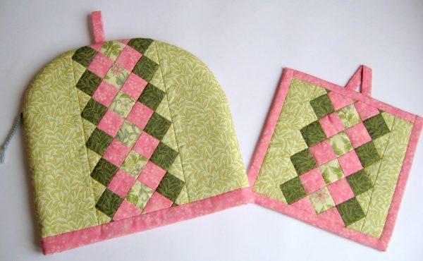 Розово-зелёный комплект прихваток