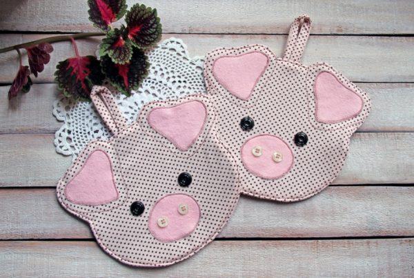 Прихватка в виде свинки