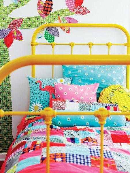 Покрывало на детской кровати