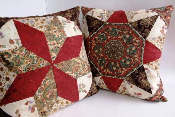 Декоративные подушки в технике пэчворк
