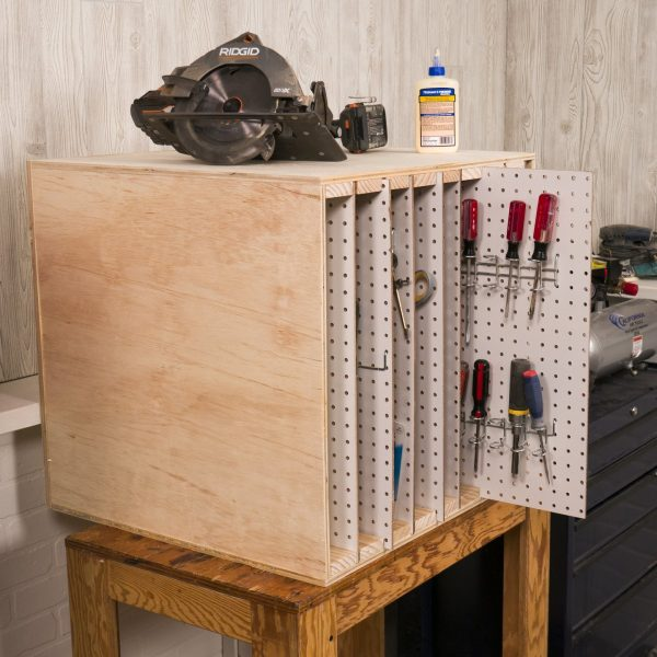 Ящик с выдвижными панелями