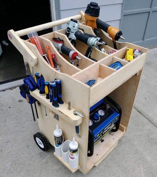 Ящик на колёсиках