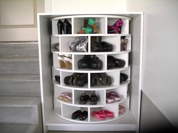 Крутящаяся тумба для обуви