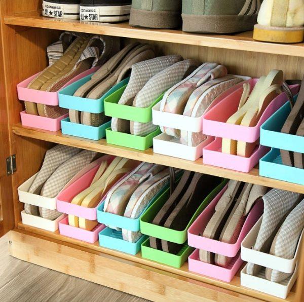 Полки с контейнерами для обуви