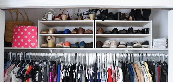 Полка в шкафу для обуви