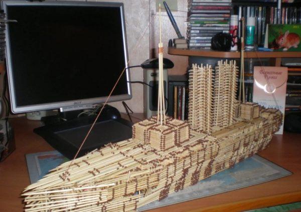 Корабль из спичек