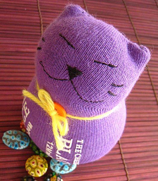Фиолетовый котик из носка