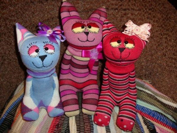 Игрушечные котики из носков