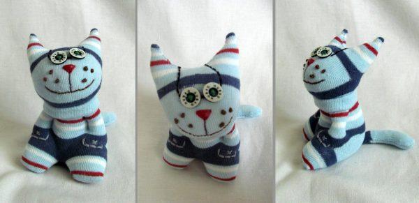 Игрушечный котик из носка