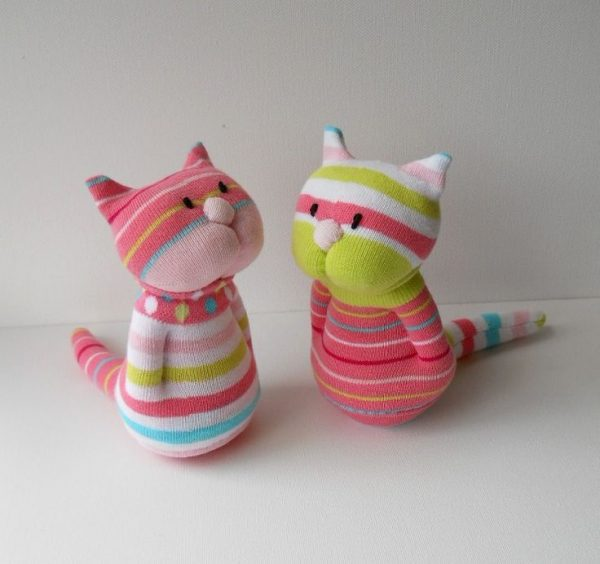 Деловые коты из носков