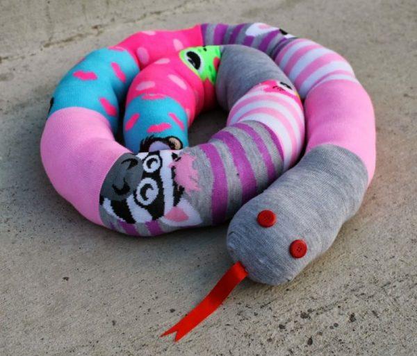Змея из носочков