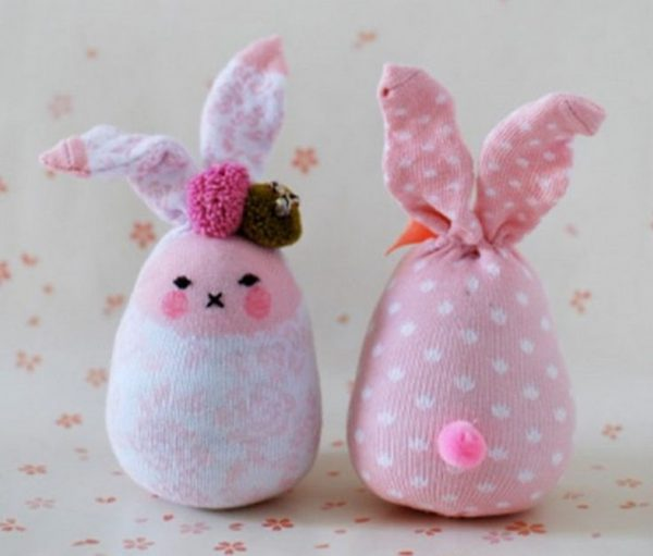 Розовый зайчик из носка