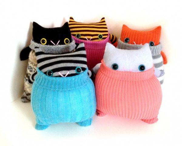 Загадочные коты из носков