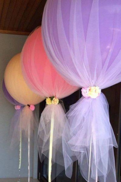 Воздушные шары, обтянутые тонким фатином
