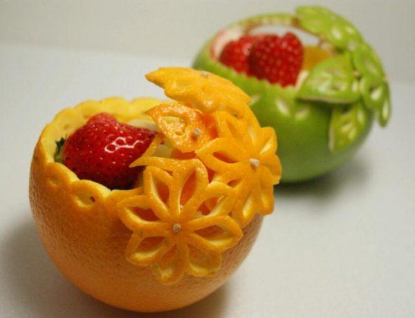 Корзинки из апельсина и яблока