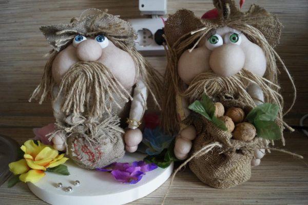 Хранители дома из капроновых колготок
