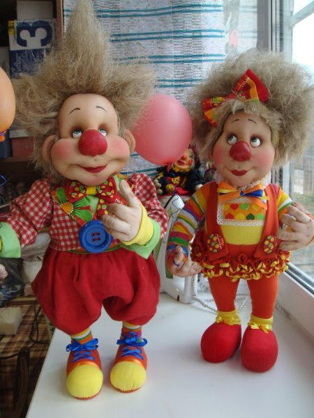 Клоуны из капроновых колготок