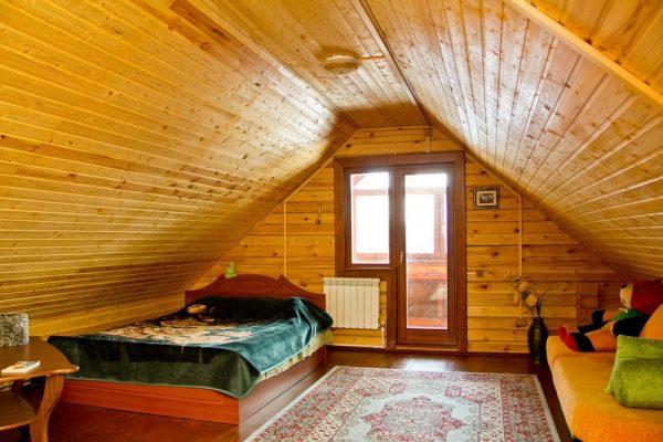 Гостевая спальня в мансарде