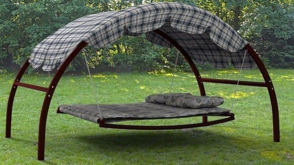 Кровать с навесом
