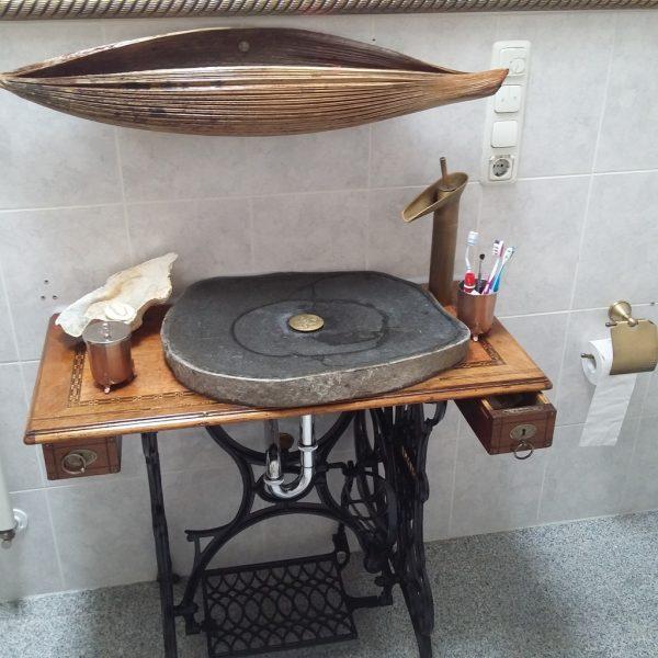 подставка под раковину из швейной машины